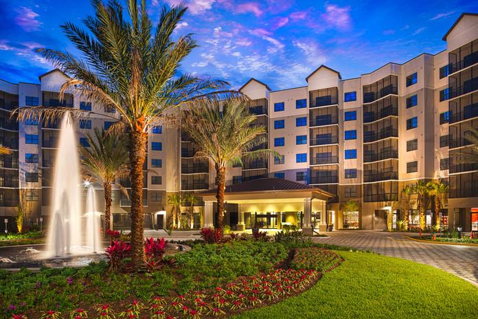 Grove_Resort_Hotel_Rotunda.jpg