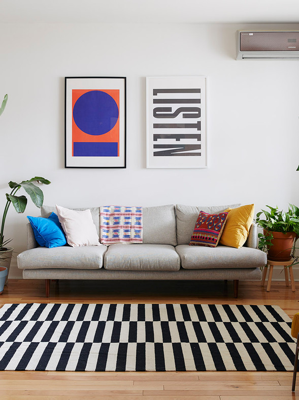 Stylish Living Room Without a Coffee Table - 2021 Trends Design