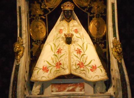 Vierges Noires et Déesses Mères