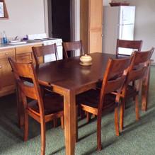 lodge kitchen seating