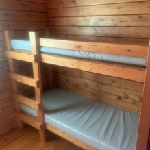 Rustic 6 person bunk room.jpeg