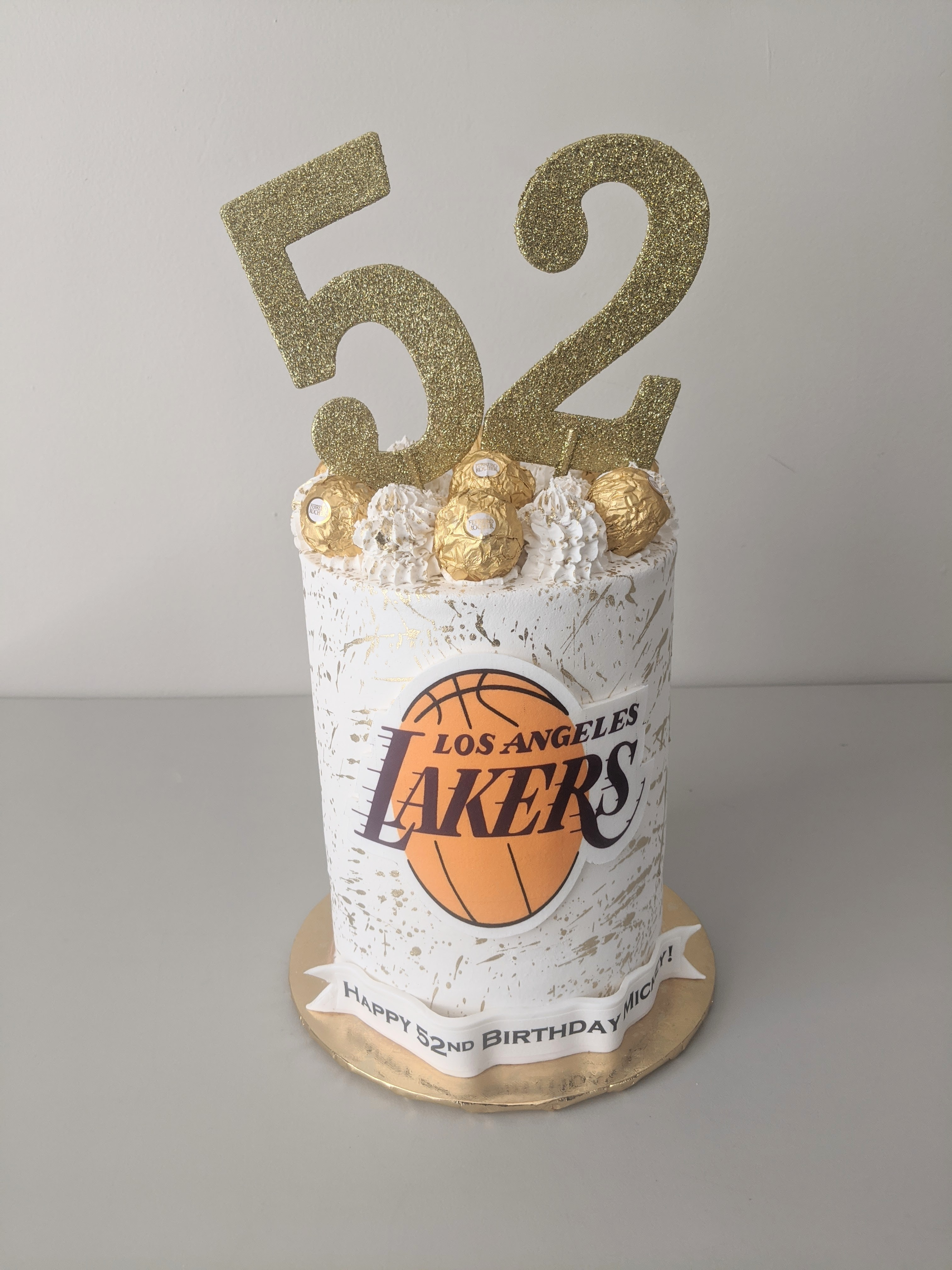 LA Lakers Barrel Cake