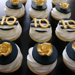 10th Wedding Anniversary Cupcakes