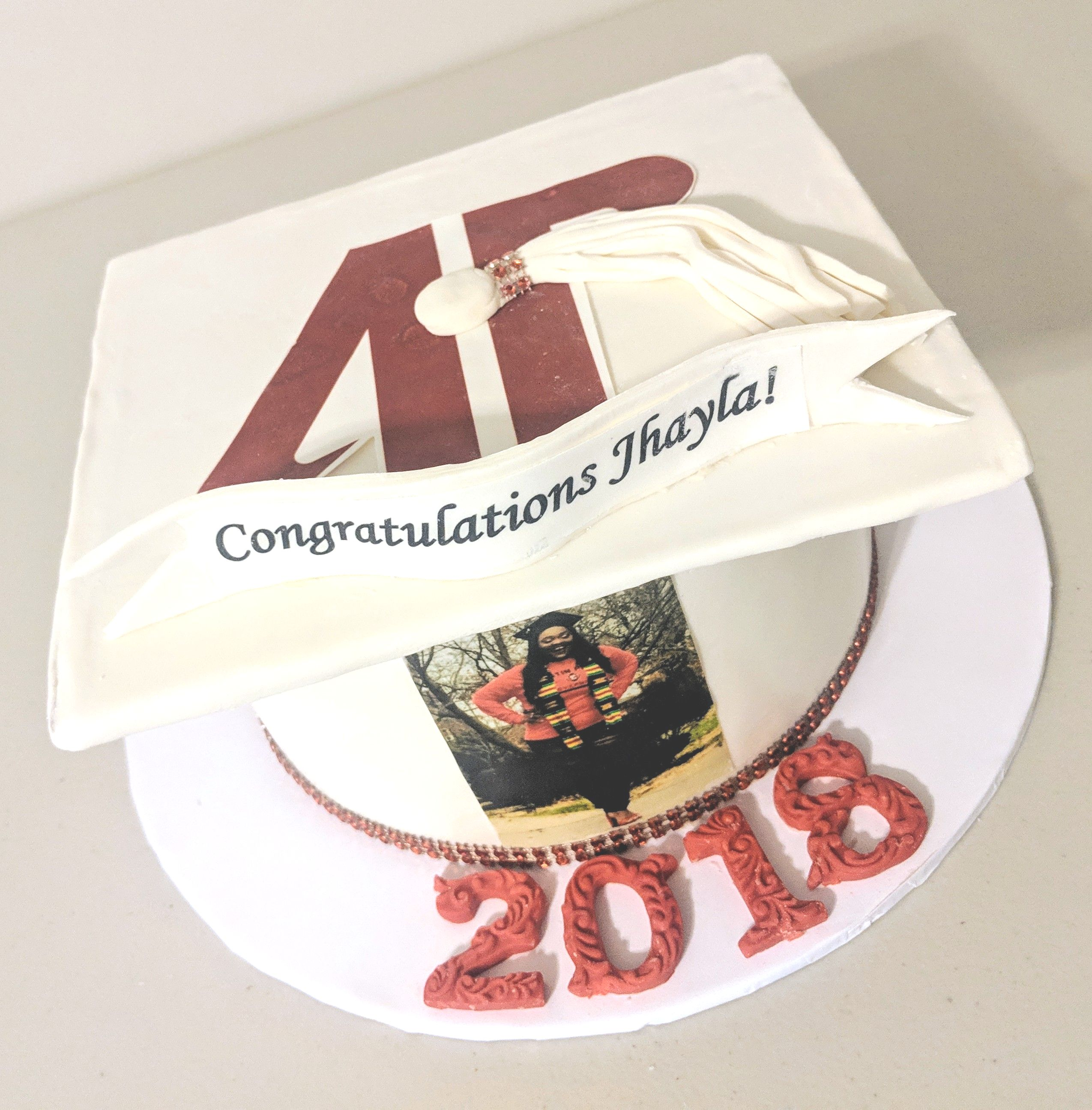 Austin Peay Graduation Cake