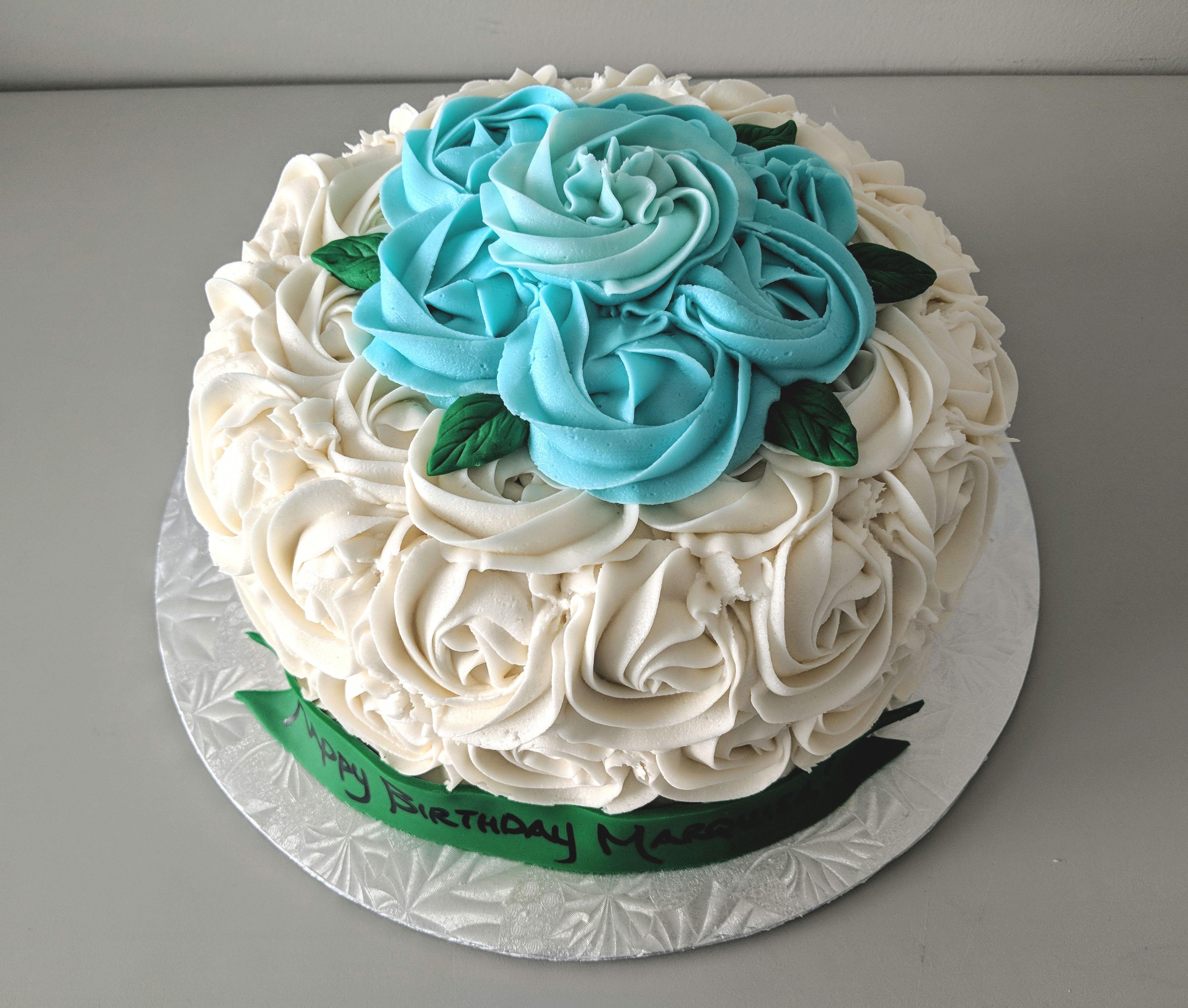 Rosette and Leaves Cake