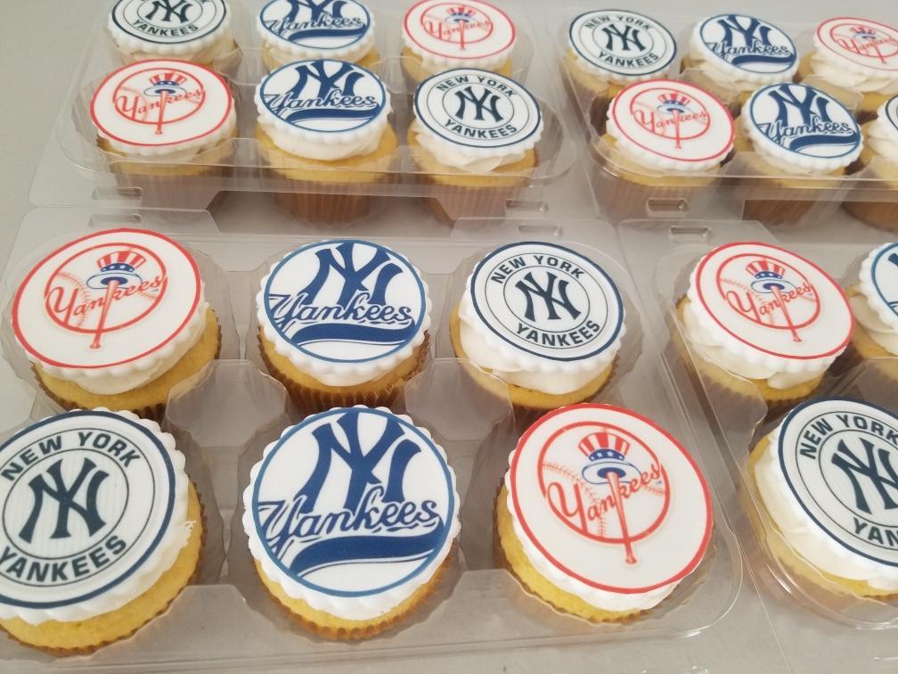 NY Yankees Cupcakes