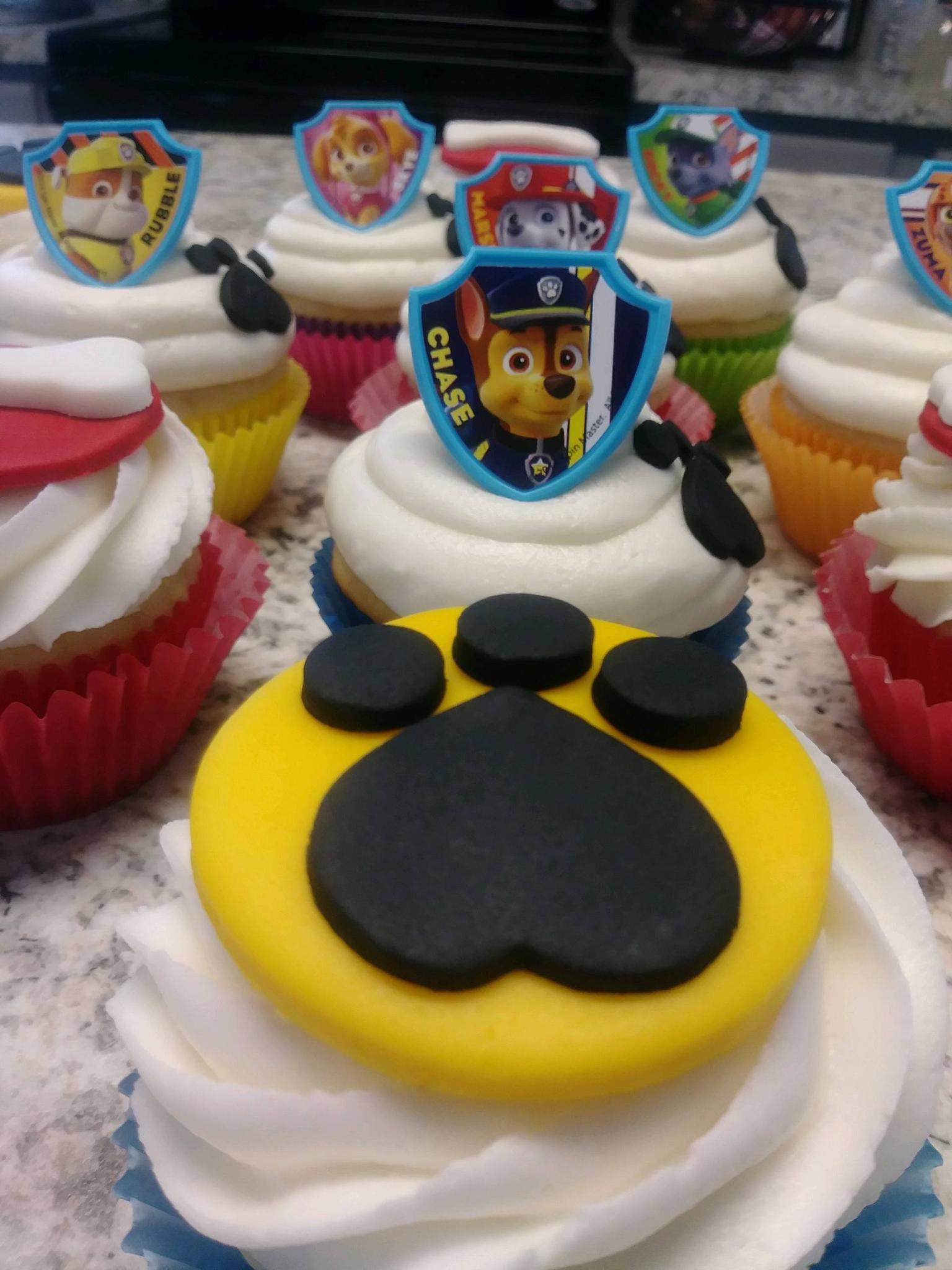 Paw Patrol Cupcakes (with fondant)