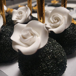 Black Sugar Rose Cake Pops