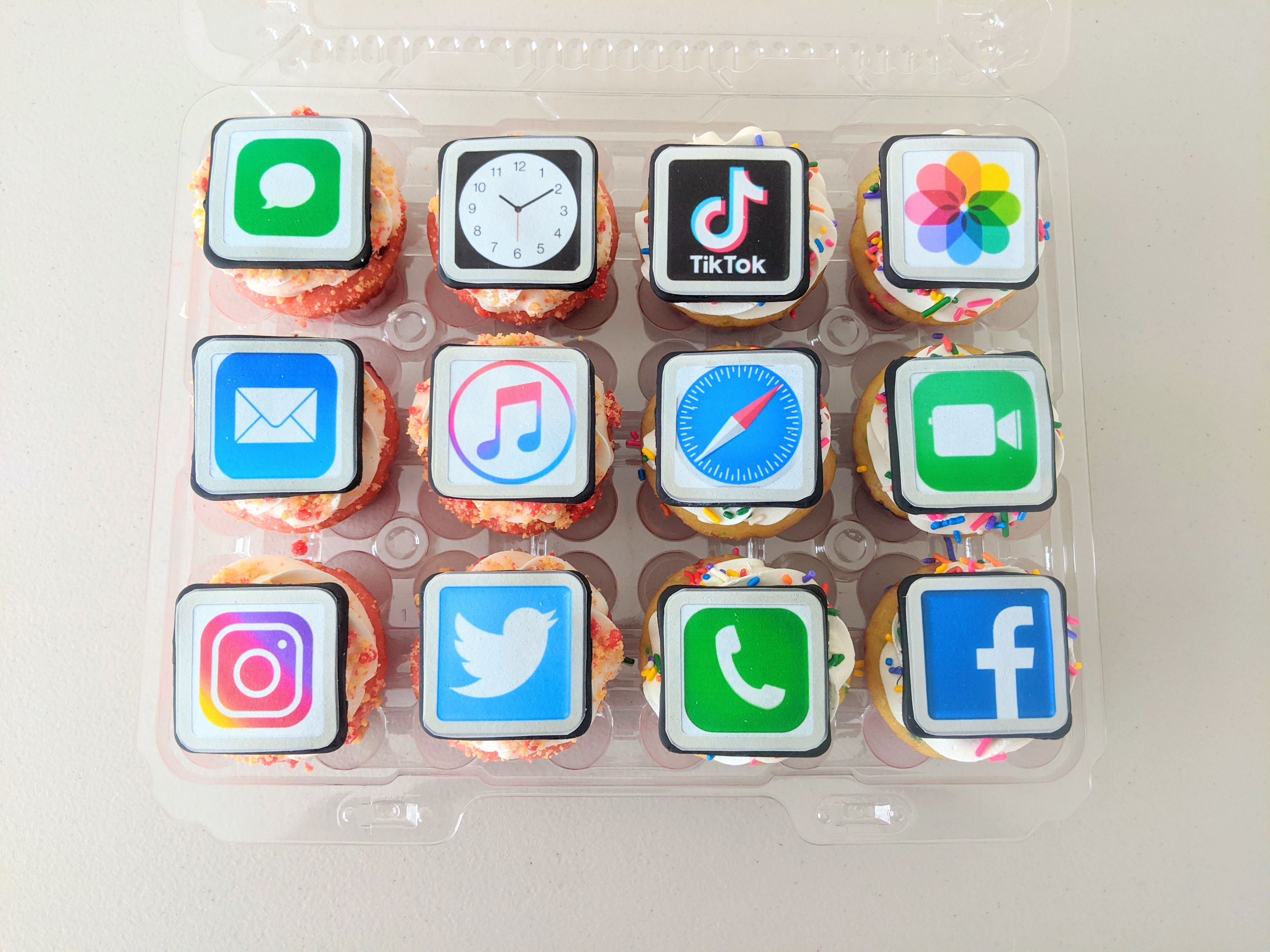 Social Media Cupcakes