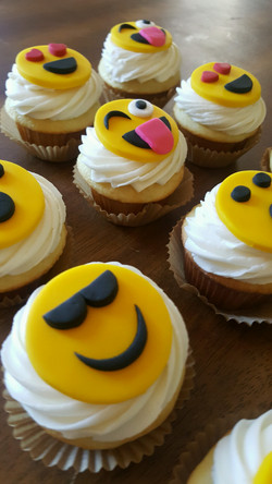 Emoji Cupcake Mix (with fondant)