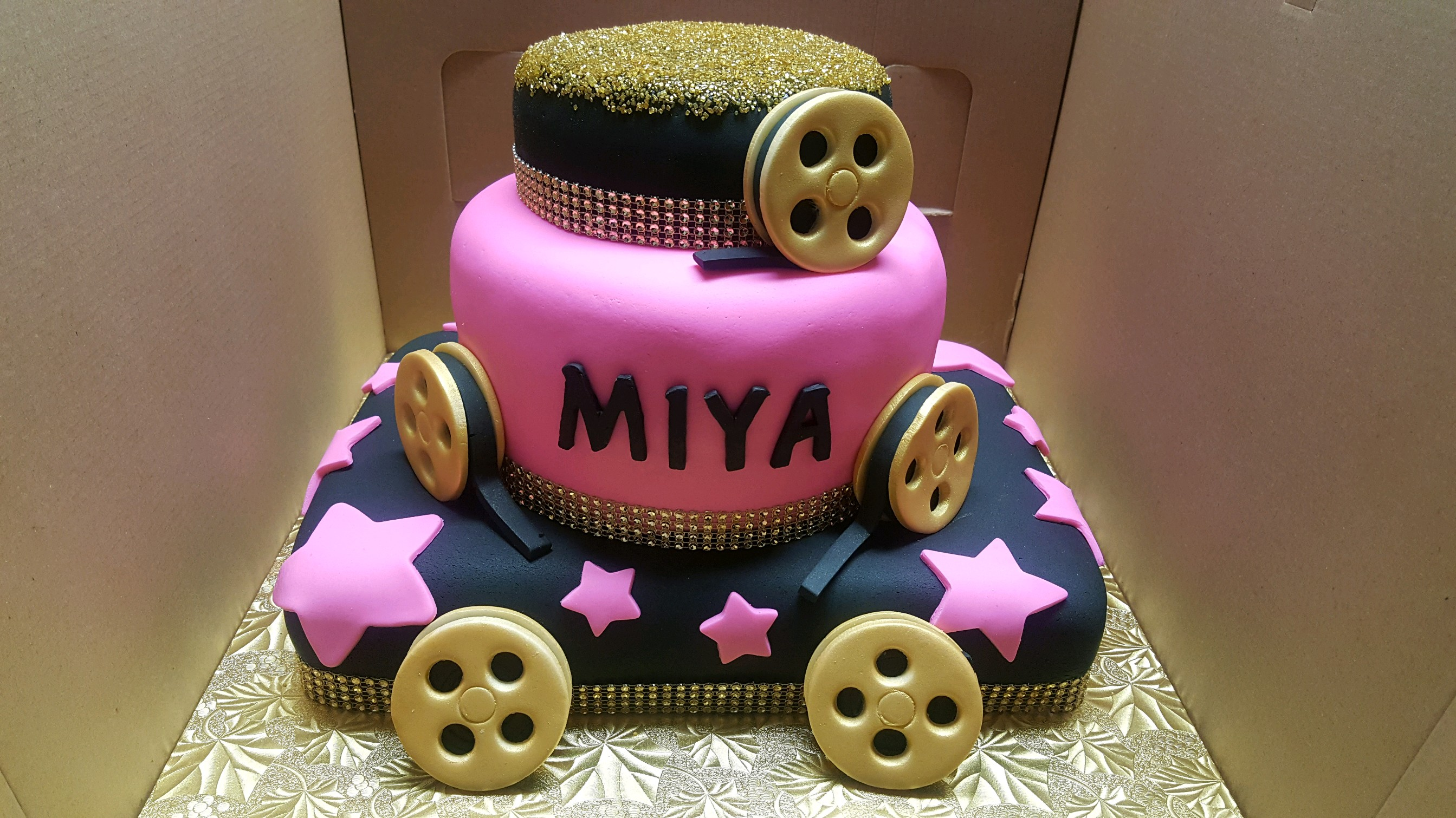 "Hollywood ""Reel Stars"" Cinema Cake"
