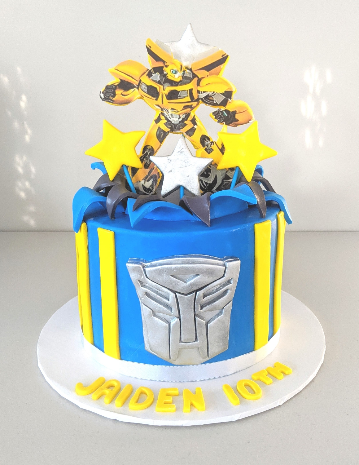 Bumble Bee Transformer Cake