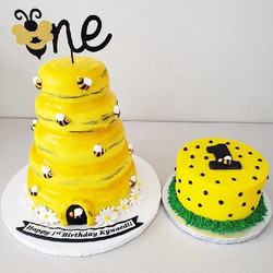 Bumble Bee Cake and Smash Cake