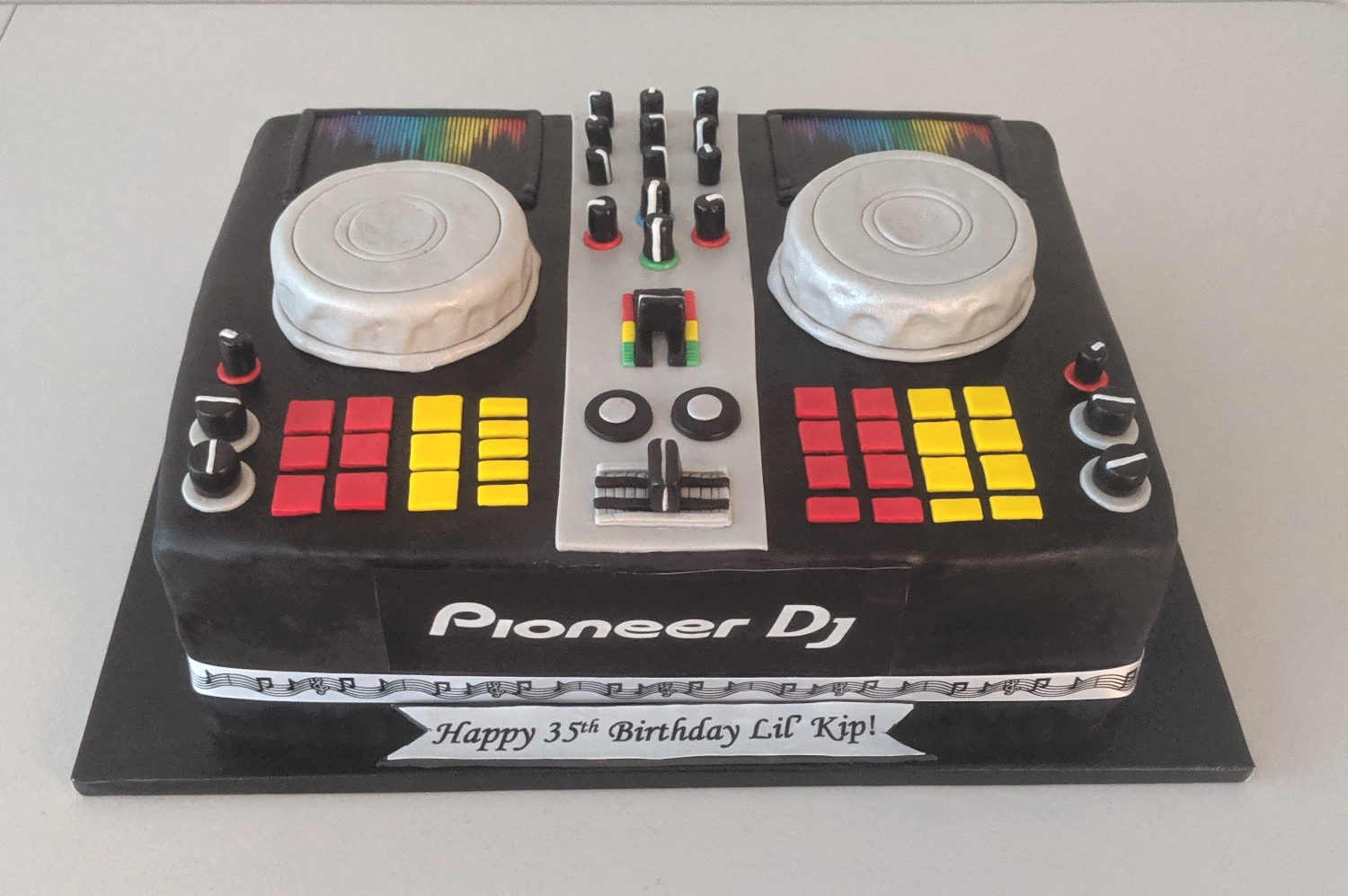 DJ Turntable Birthday Cake