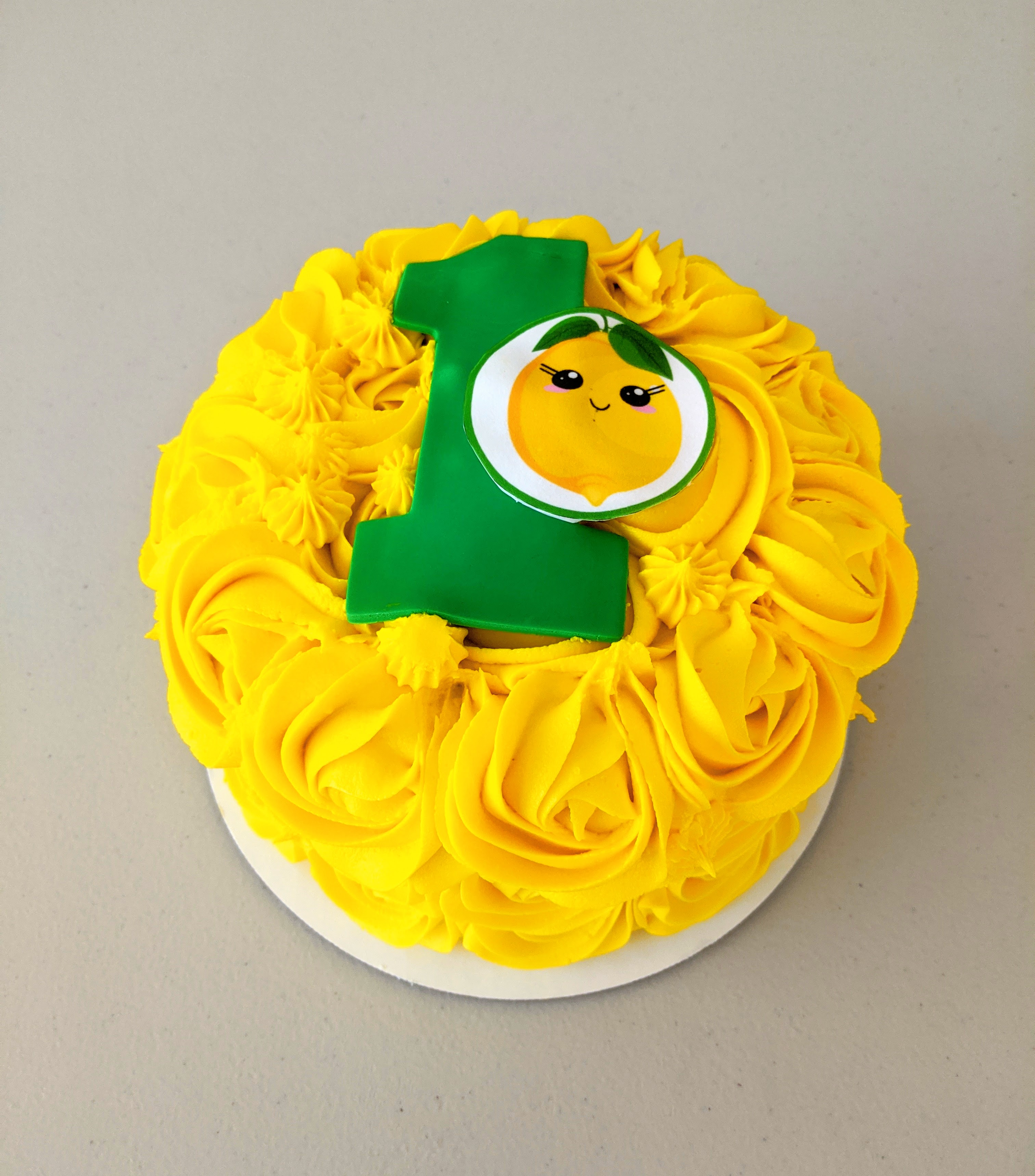 Lemon themed Smash Cake
