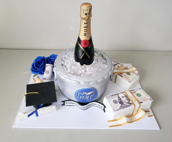 MTSU Graduation Cake