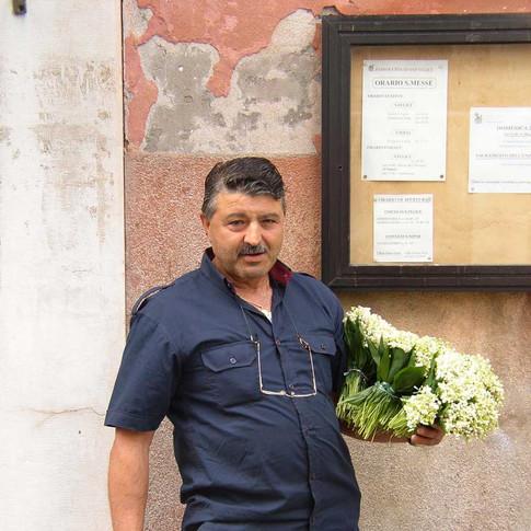 The Merchants of Venice: Flower seller
