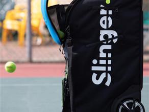 Tennisspielen mit einer Ballmaschine?