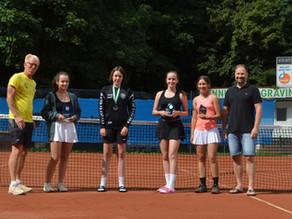 1. Gewinnerin beim Brechten Aktiv Tennis Jugend Cup
