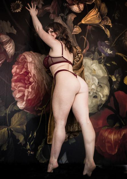 Merlot-lingerie-2.jpg