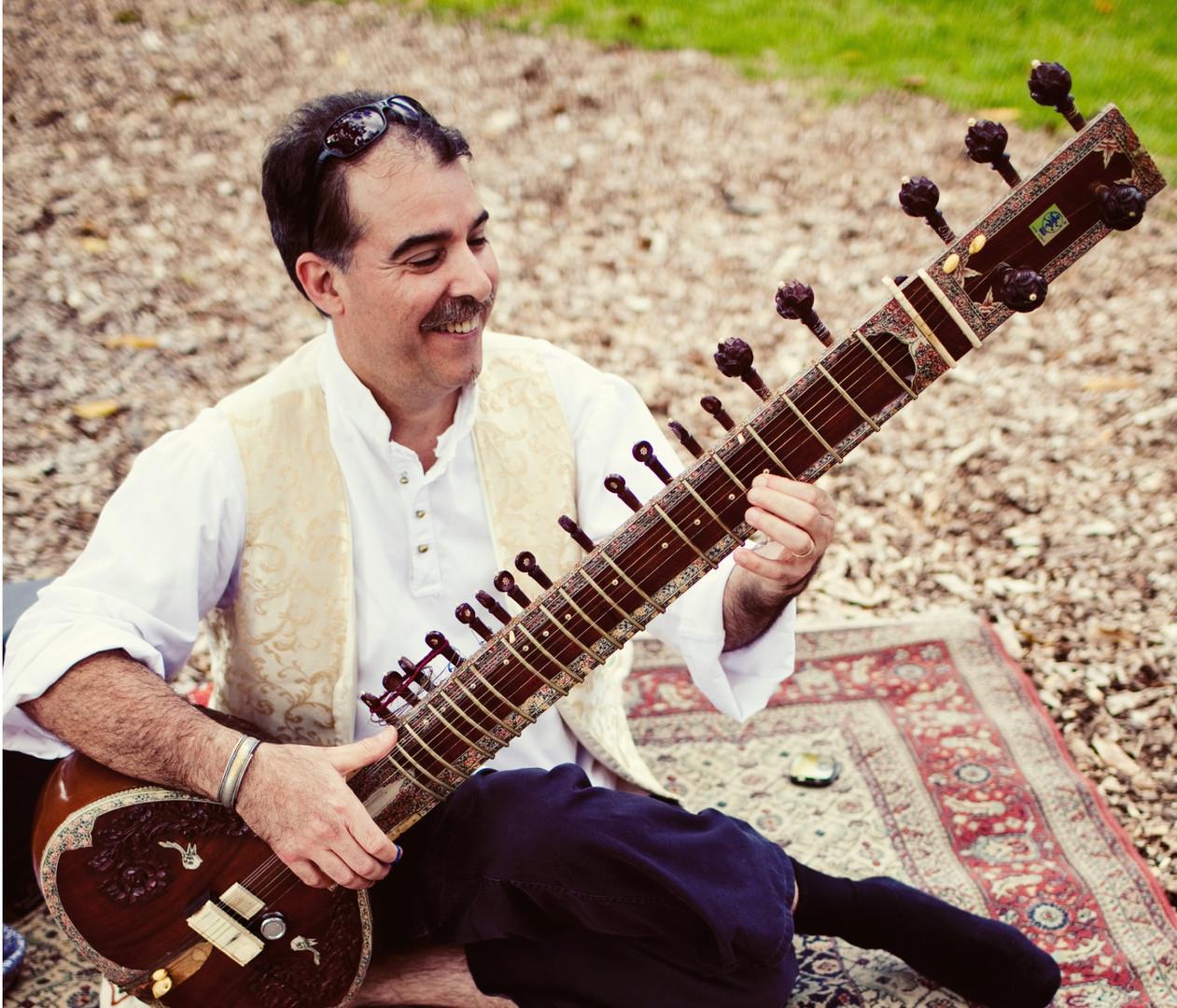 Peter Davidian Sitar Pic.jpg