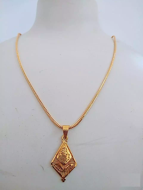Elegant Gold Plated Pendant With Chain