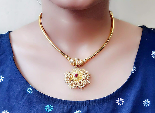 Beauteous Alloy Necklaces Thushi