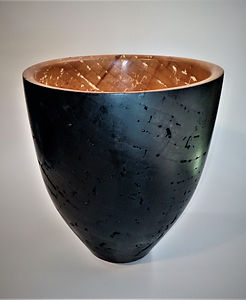 Bowl in ebonised Willow