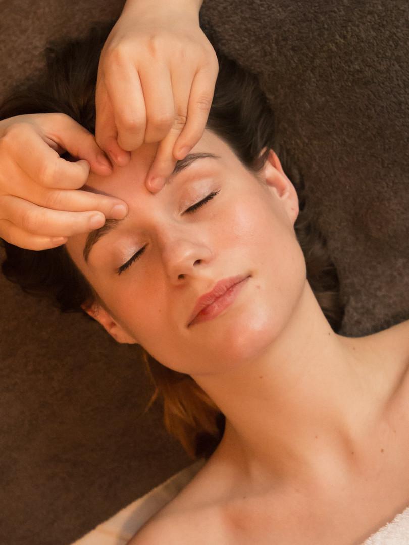 Massage visage _ haut du corps copie.jpg