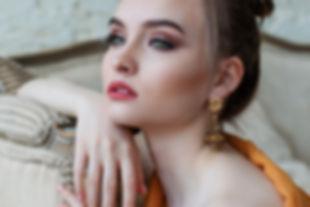 girl-2366438.jpg