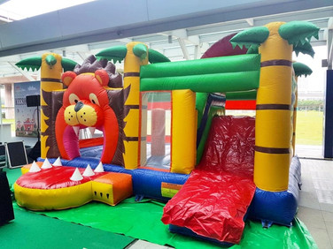 Lion-Bouncing-Castle.jpg