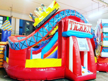 Large-Carnival-Bouncy-Castle.jpg
