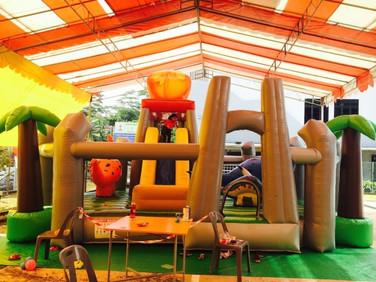 Dinosaur-Inflatable-Bouncy-Castle.jpg