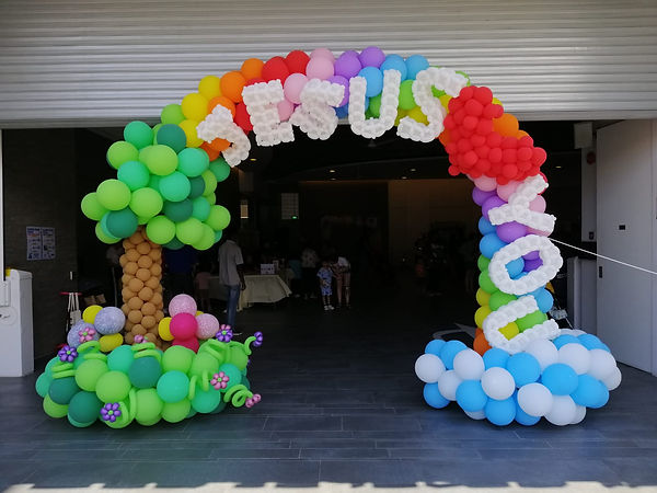 balloon decoration singapore.jpeg