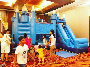 Blue-Bouncy-Castle-for-rent.jpg