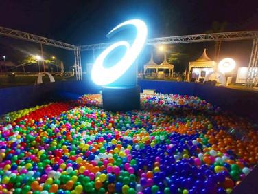Giant-Ball-Pit-set-up-Singapore.jpg