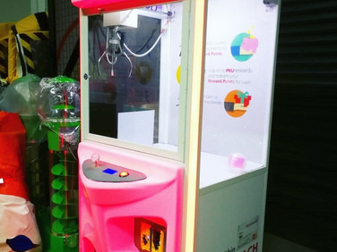Custom-LED-Claw-Machine-Rental.jpg