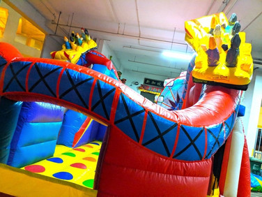 Carnival-Theme-Bouncy-Castle.jpg