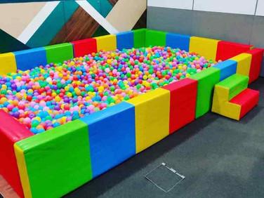 Large-Ball-Pool-Rental.jpg