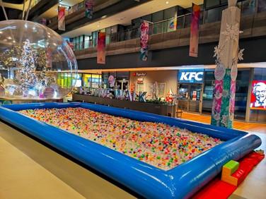 Mega-ball-Pool.jpg