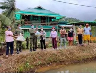 Army's 91IB distributes 2,000 tilapia fingerlings to Aurora's fisherfolk organizations