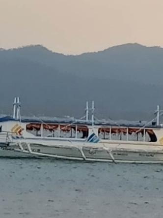 Navy rescues 16 passengers of distressed Motorbanca at Caluya Island, Antique