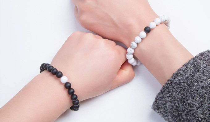 How To Wear Crystal Healing Bracelets?