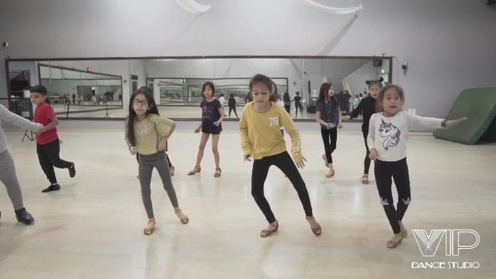 kids partner dancing