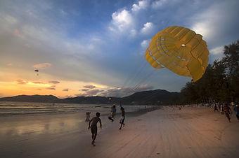 beach-2614259_1920.jpg