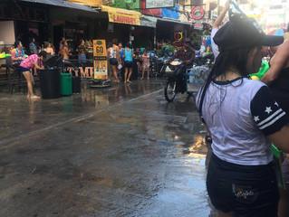Songkran in der Soi Buakhao