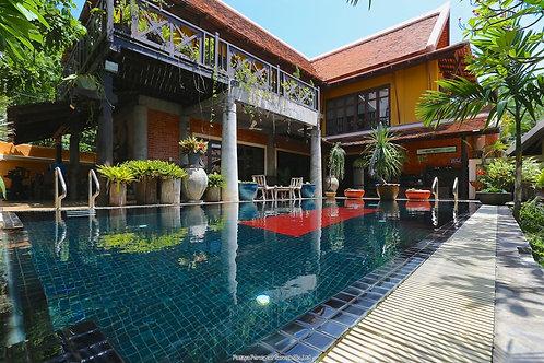 Zentrale Villa im Thai Bali Style mit tropischem Garten