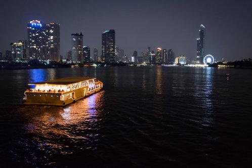 Thai-Dinner & Cruise mit Transfer vom/zum Hotel