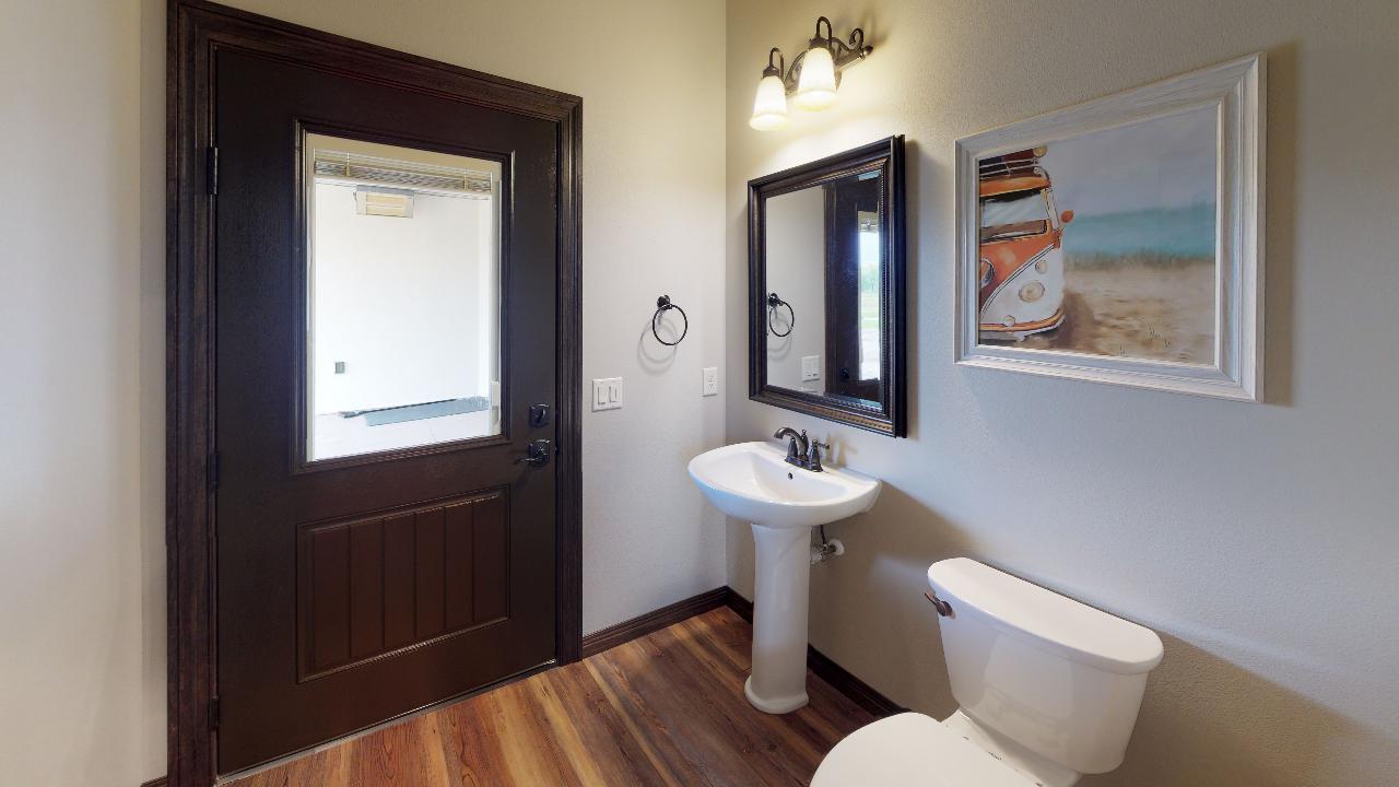 2217-34th-Avenue-SE-Bathroom(3).jpg