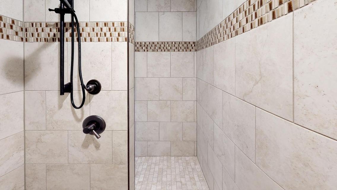 2217-34th-Avenue-SE-Bathroom(4).jpg